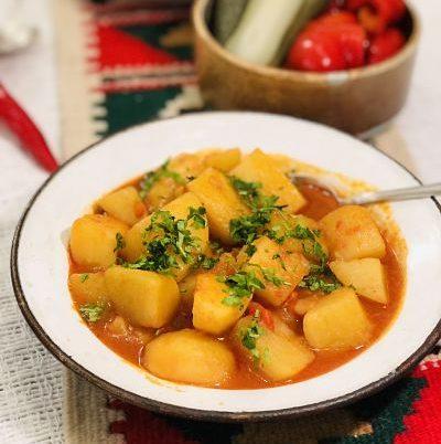 Tocană de cartofi - mâncare de cartofi de post