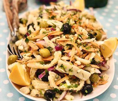 Salată cu burtă de vită, lămâie și pătrunjel