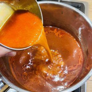 Adaugăm sosul