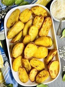 Cartofi condimentați la cuptor