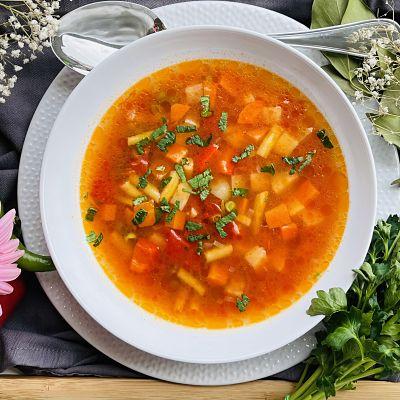 Ciorbă țărănească de legume - Cea mai rapidă și gustoasă rețetă