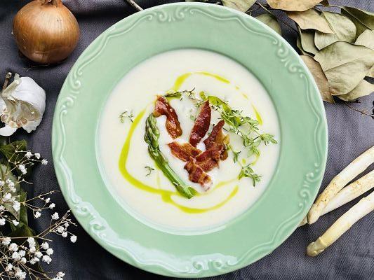 Supă cremă de sparanghel alb