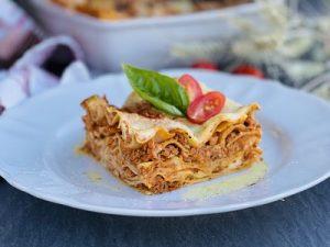 Lasagna Bolognese cu carne de curcan